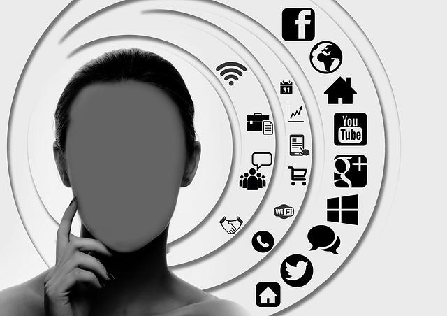 Les réseaux sociaux, pour accroitre sa côte de popularité